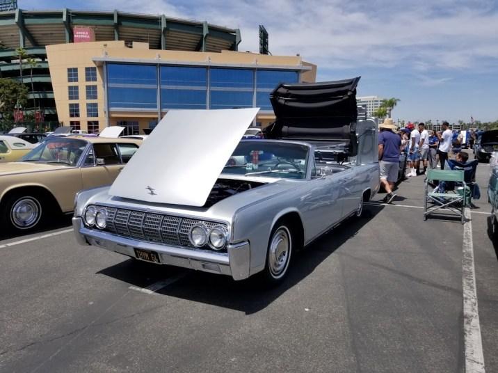 1962 Lincoln convertible