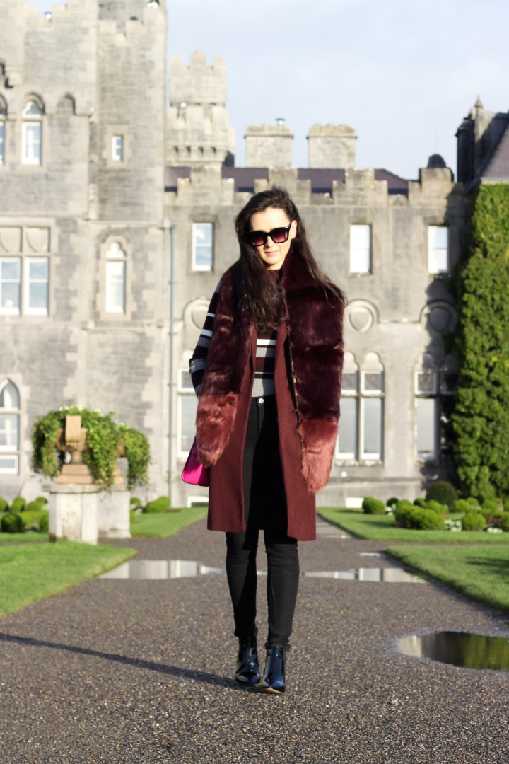 burgundy sleeveless jacket and fur stole 9