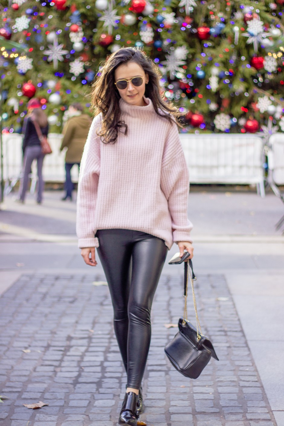 How to wear a Baby Pink Sweater | Christmas in New York | NYC Blogger