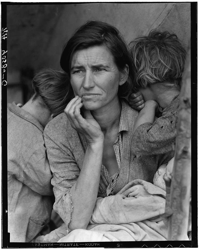 Photo by Dorothea Lange: Destitute pea pickers in California. Mother of seven children. Age thirty-two. Nipomo, California