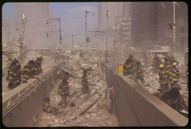 25 Powerful Images From 9 11 The Attacks On The World