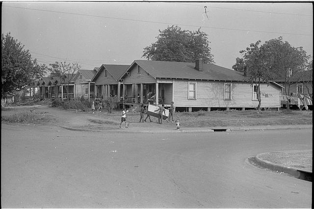 Birmingham, Ala[bama]. Average negro homes