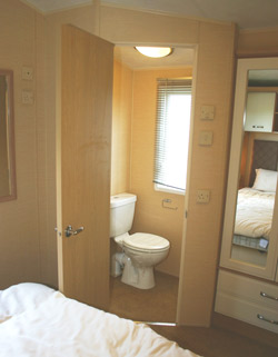Ensuite in the main bedroom