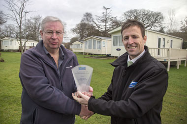 Dolphins River Park wins Leisuredays Risk Management Award 2014