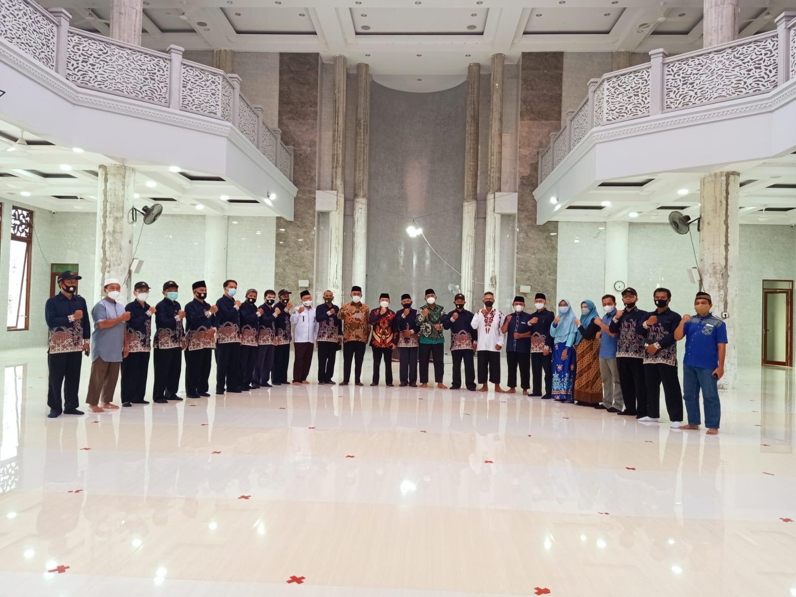 Rombongan FKUB Nunukan di Masjid Nurul Hasanah Berau Kalimantan Timur, Selasa (21/9). Foto: Istimewa