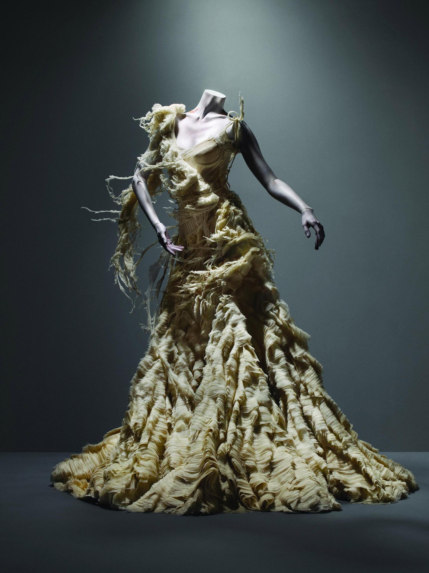 Alexander McQueen Dresses Top 10 | LDNfashion.com