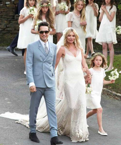 10 Greek Wedding Traditions You Might Not Know About: Top 10 Kate Moss Style Moments