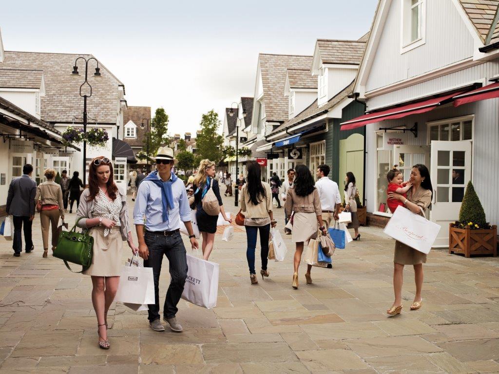 Damenmode Outlet | Hier freut sich nicht nur die Geldbörse! Spare dich glücklich im Damenmode Sale bei Zalando.