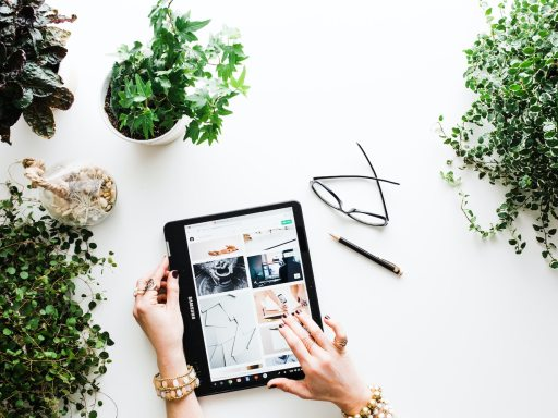 5 of the Best Online Fashion Shopping Sites
