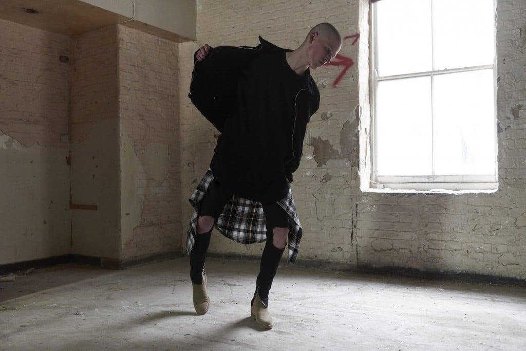 # OTHER UK 16SS grunge精神集大成:90s 垃圾搖滾與軍裝的共鳴 RISE 15