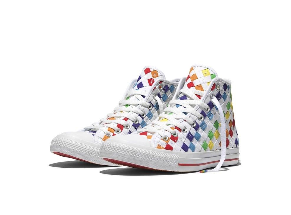 # CONVERSE推出LGBT聲援鞋款:彩虹繽紛的Chuck Taylor 1