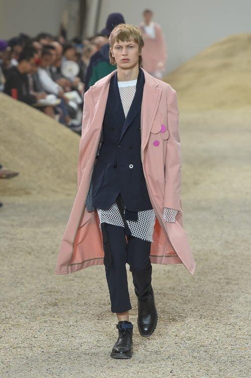 # Sacai 2017男裝春夏新款 :以不同面料打造出前衛自我感 34