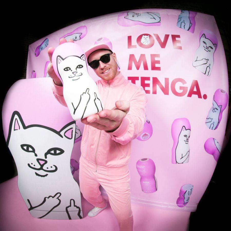 # TENGA × RIPNDIP:聯名限量經典 中指貓 CUP 1