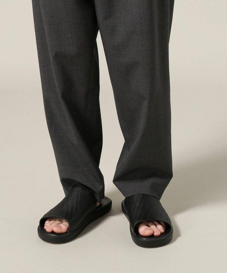 # In Your Shoes 002:最適合大熱天的拖鞋時尚,炎炎夏日來一雙吧! 1