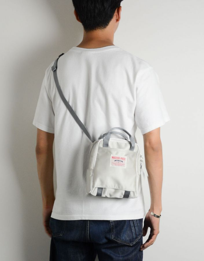 # Bag Yourself 008:除了 Sacoche 之外的另一種選擇,小包魅力再度燃燒! 13