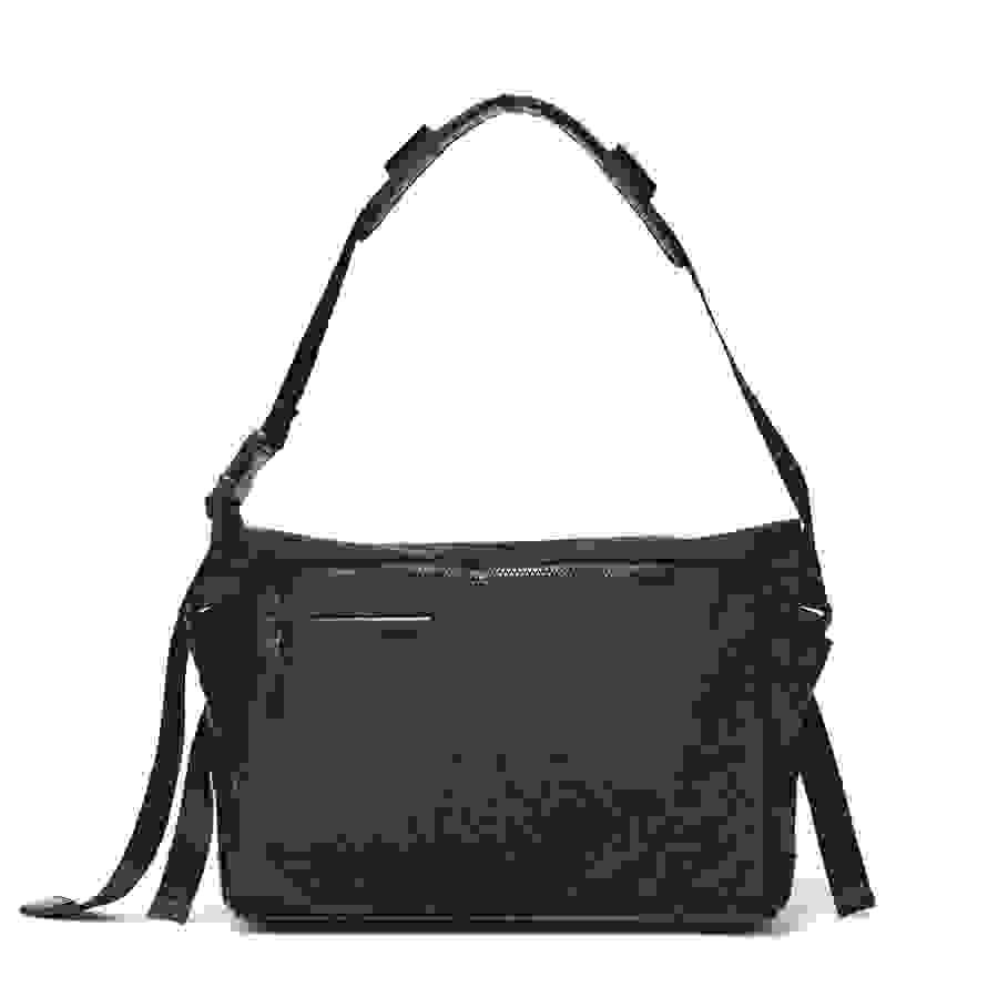 # Bag Yourself 010:對郵差包的印象還停留在傳統款式嗎?那麼這六個機能潮流品牌絕對顛覆你的看法! 11