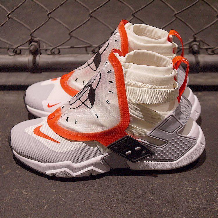 # In Your Shoes 012:對 Sock Dart 膩了嗎?最新矚目的襪套式鞋款幫你整理好了! 6