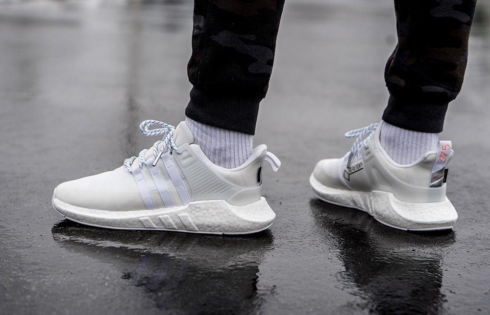 # In Your Shoes 016:還在煩惱下雨天該穿哪雙球鞋?這幾雙上腳既防水又時尚! 2