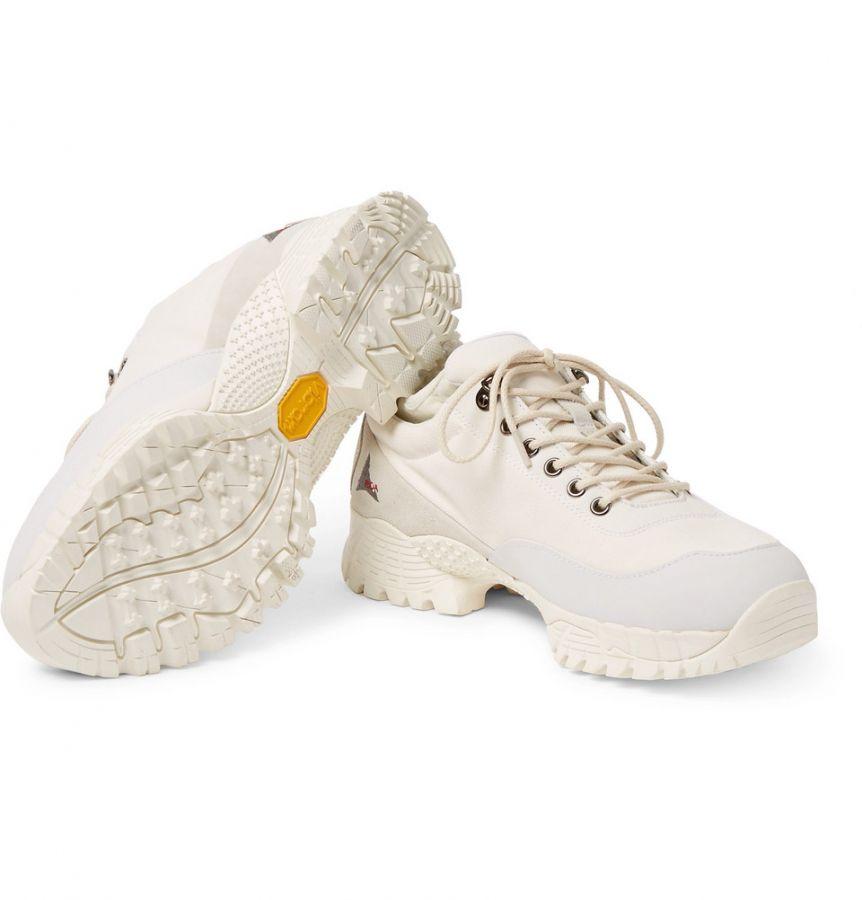 # In Your Shoes 016:還在煩惱下雨天該穿哪雙球鞋?這幾雙上腳既防水又時尚! 18