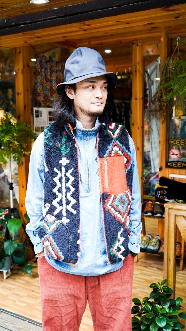 # Shop Staff Snap:溫差好幫手,善用背心打造冬季層次穿搭 8