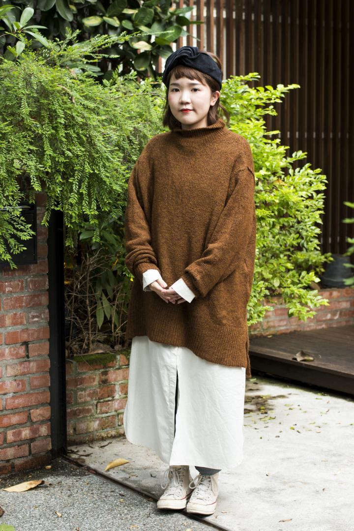 # Shop Staff Snap:善用輕色系,長版針織衫也能營造輕盈視覺感! 4