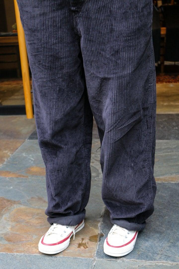 # Shop Staff Snap:穿上燈芯絨吊帶褲,一展女子工裝系輪廓! 7