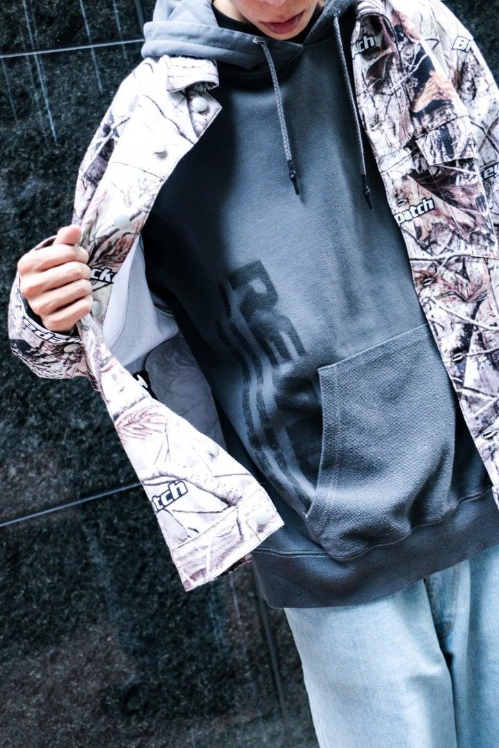 # Shop Staff Snap:用象徵性圖案凸顯秋冬冷冽的灰色基調 1