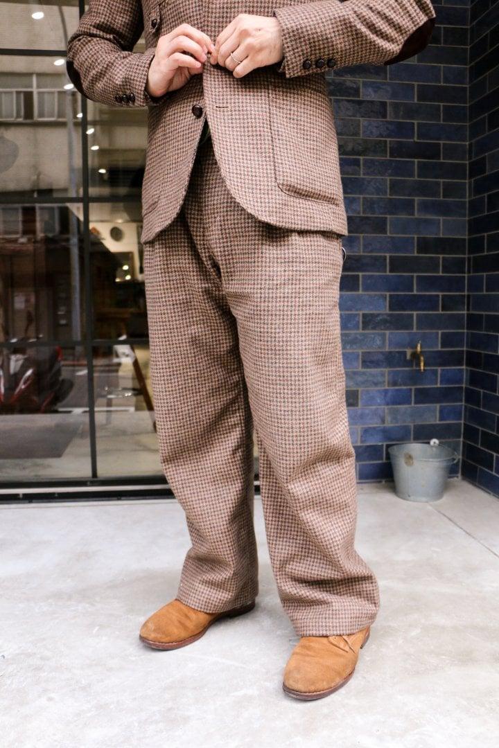 # Shop Staff Snap:三件式西裝的優雅 3