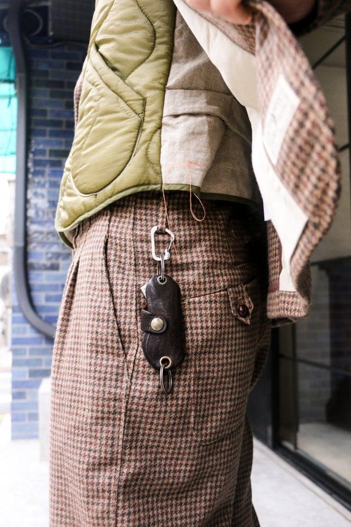 # Shop Staff Snap:三件式西裝的優雅 6