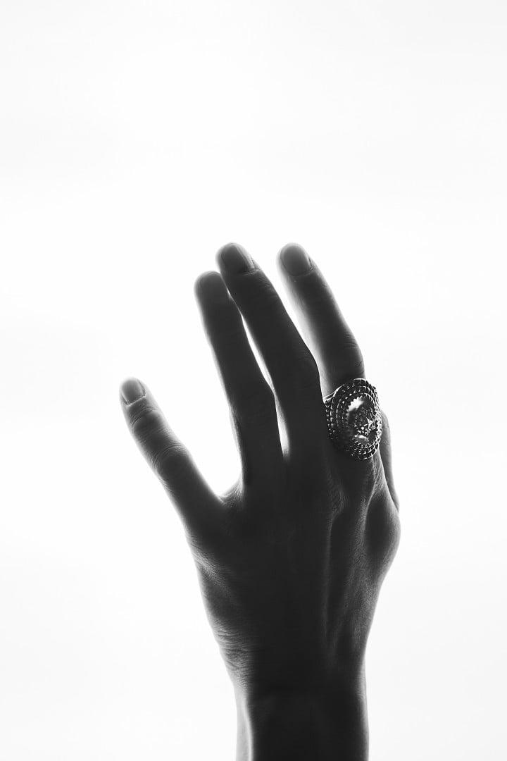# 延續鮮明風格:新銳銀飾品牌 Natural Instinct 2019FW 釋出 5