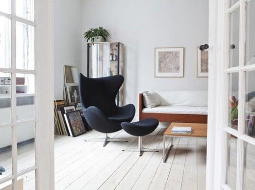 # 日式標誌性美學:三位日本時裝設計師為經典 Egg Chair 執行面料設計 3