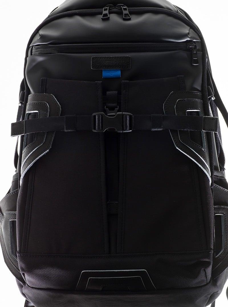 # 便利性更上一層樓:master-piece 攜手 MIZUNO 再度推出聯名,打造 Sports × Bag 現代包款 5