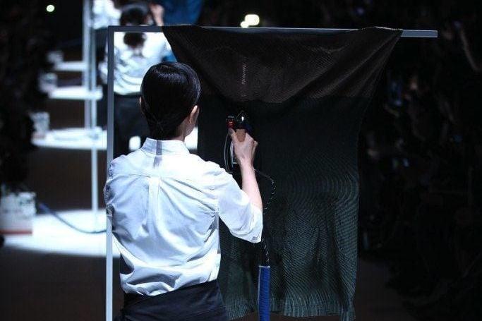 # ISSEY MIYAKE 新「摺學」:2020ss 女裝發表將成新銳總監首屆品牌處女秀 3