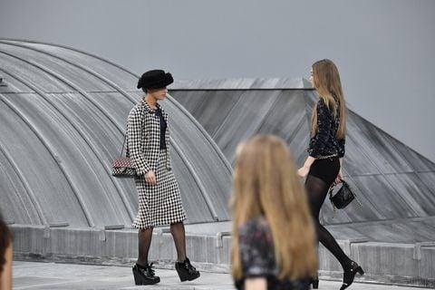 # 沒有老佛爺的日子:Chanel新掌門人的第一場時裝大秀 2