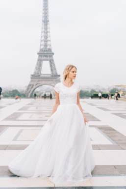 4 Modest Wedding Dress Designers - Elizabeth Cooper