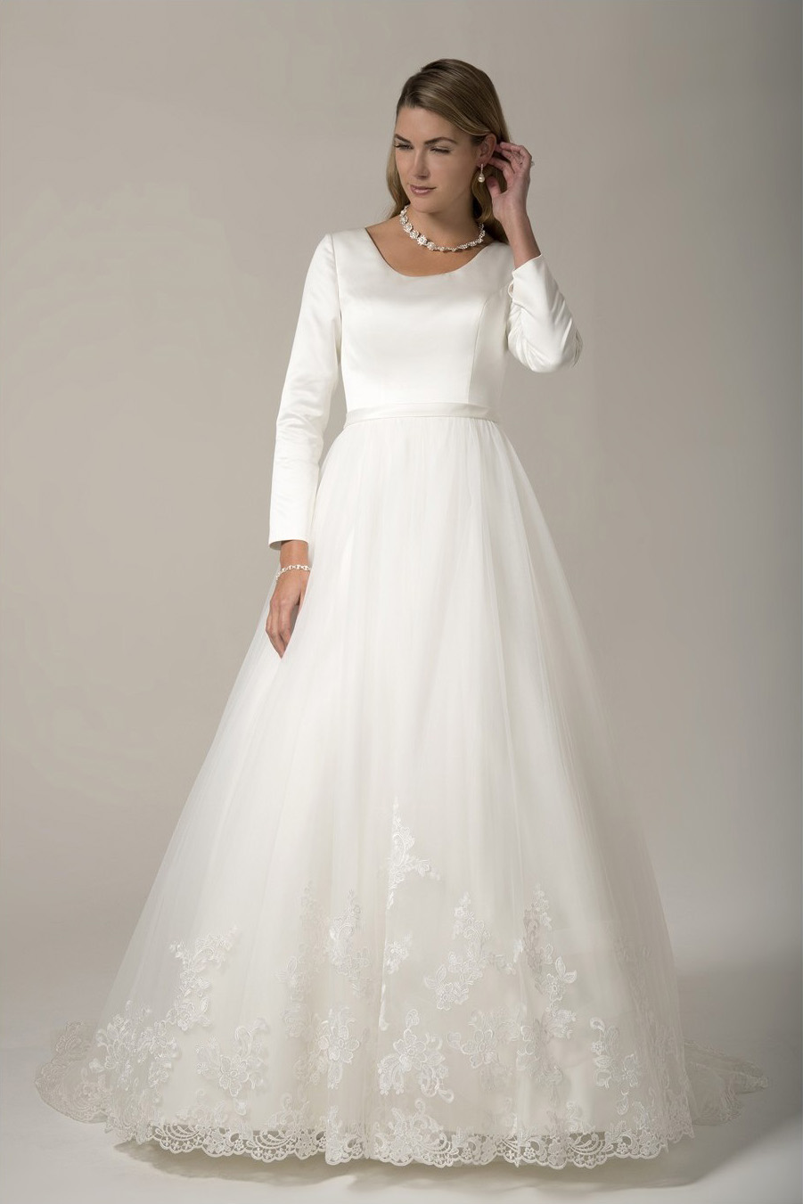25 Modest Ball Gown Wedding Dresses - 20