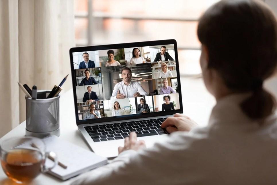 Asistir a un evento virtual formativo permite compartir conocimientos desde cualquier ubicación