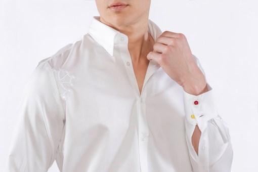 """Chemise blanche """"le polo occitan"""" avec croix occitane brodée et détails boutonnière"""