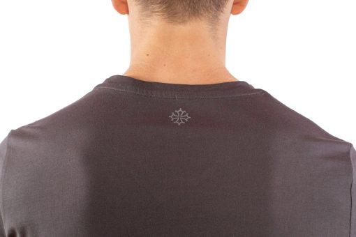 """Tee shirt occitan gris anthracite """"le polo occitan"""" détails dos"""