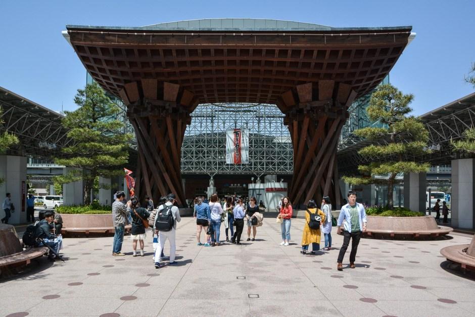 l'architecte japonais Tameo KOBORI