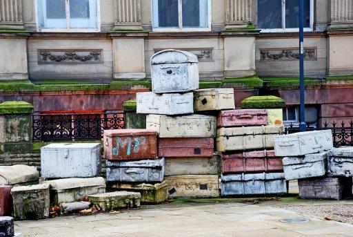 Organiser les valises dans la voiture