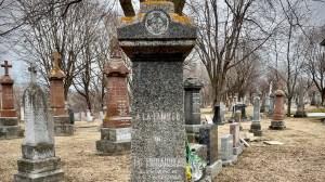 Jouer au touriste chez nous… au cimetière!