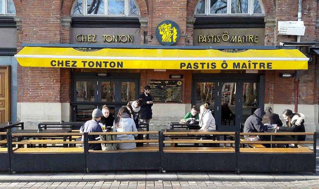 «Chez Tonton», il y a à boire… et à manger