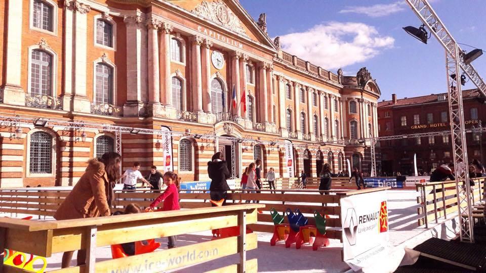 La patinoire fait son retour sur la Place du Capitole