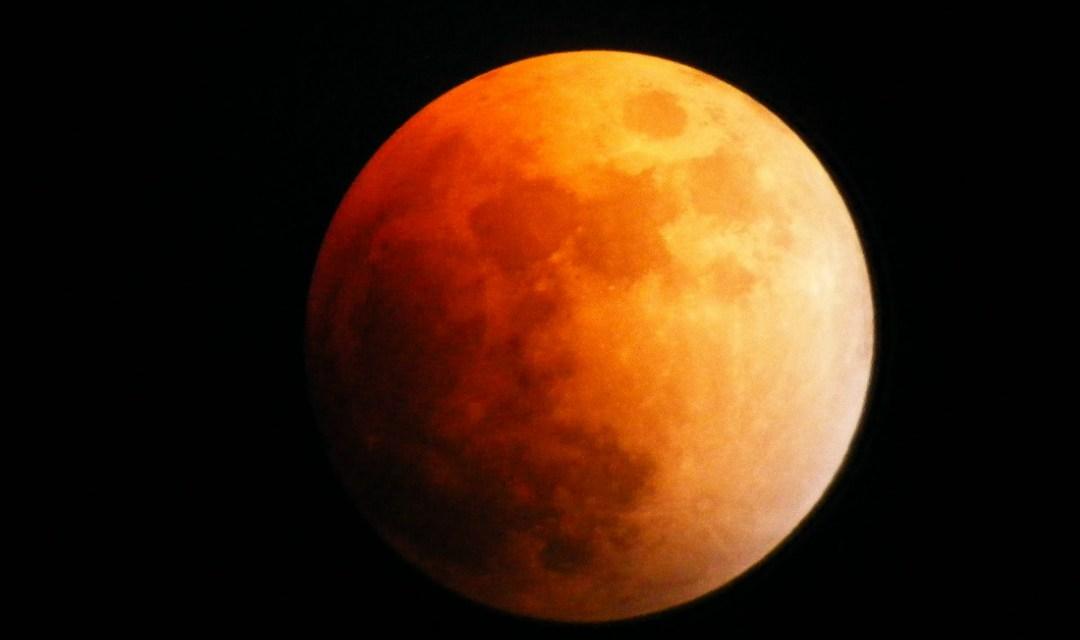 La lune va s'éclipser dans le ciel français vendredi 10 février