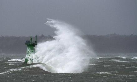 Sud-Ouest : 250 000 foyers privés d'électricité par la tempête Leiv