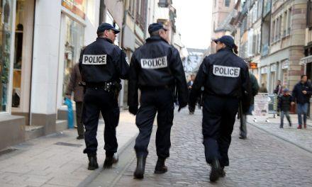 Violence sur policiers : Rassemblement devant le commissariat central à Toulouse