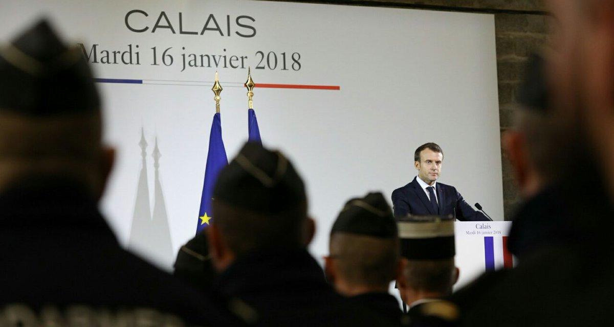 Policiers et immigration : que retenir de la visite de Macron à Calais