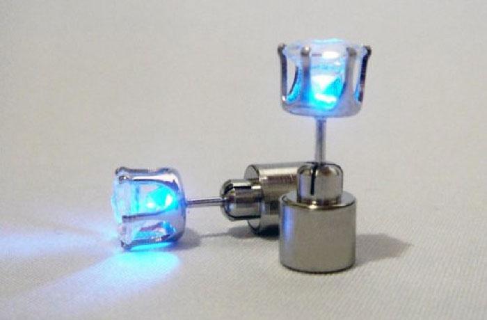 LED-ピアス