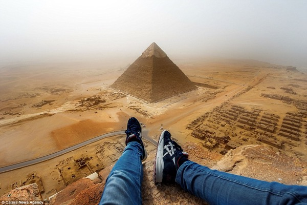 309F124700000578-3418882-Andrej_Ciesielski_scaled_the_Cheops_Pyramid_on_a_recent_visit_to-a-4_1453899719879
